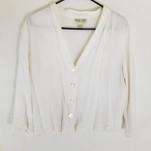 Nomadic traders white embroidered flowy top